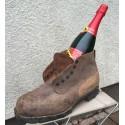 Militär-Nagelschuh mit Wein
