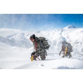 Gebirgsspezialisten am Seil im Wintereinsatz
