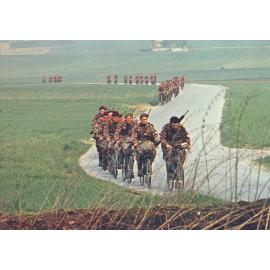 Postkarte: Radfahrer in Bewegung