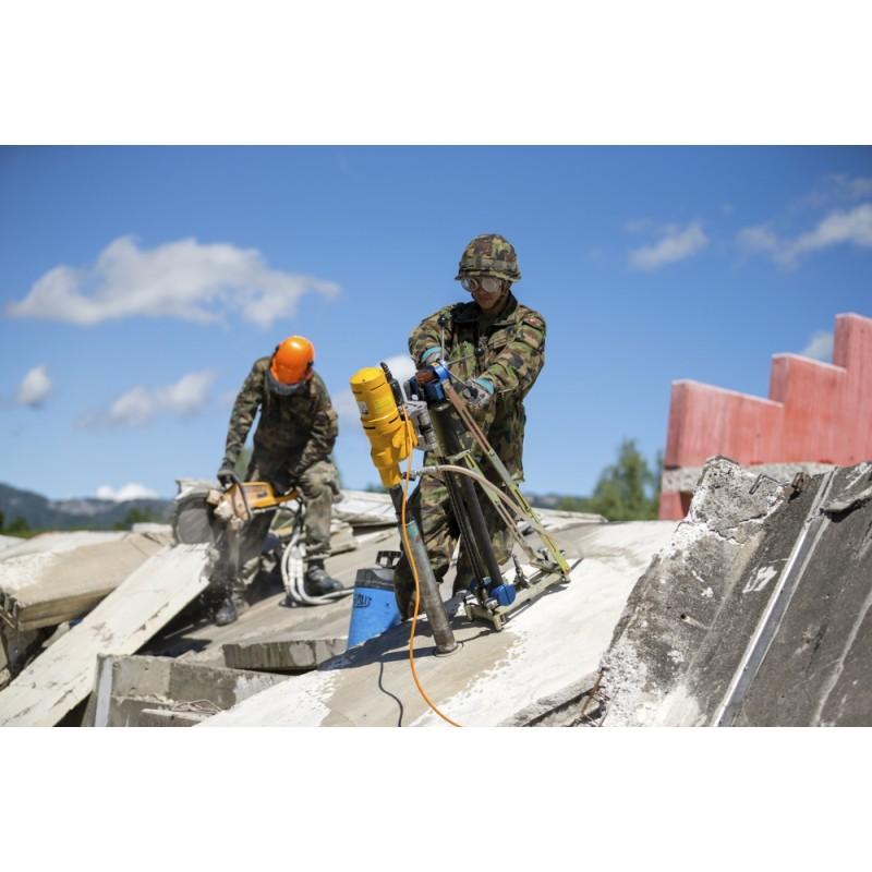 Rettungstruppen im Übungsdorf Wangen a. A
