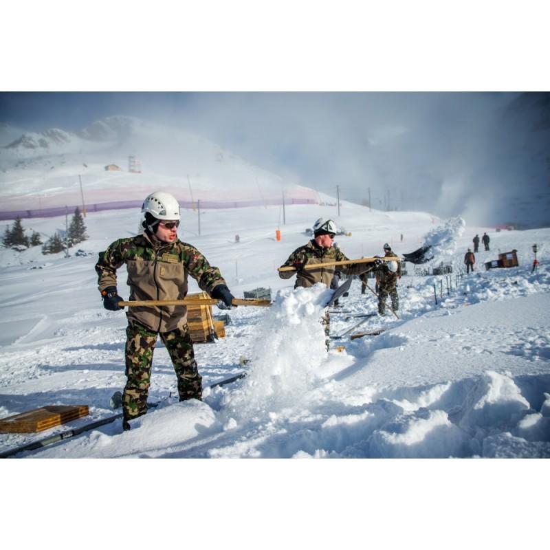 Aufbauarbeiten für Ski Weltcup in Wengen