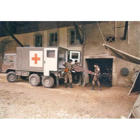 Postkarte: Sanitätspinzgauer, Verwundetentransport