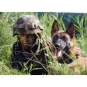 Postkarte: Hundeführer mit Schutzhund
