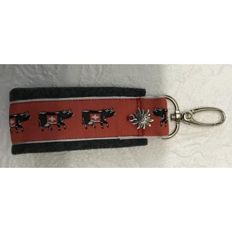 Schlüsselanhänger aus alter Militärkleidung