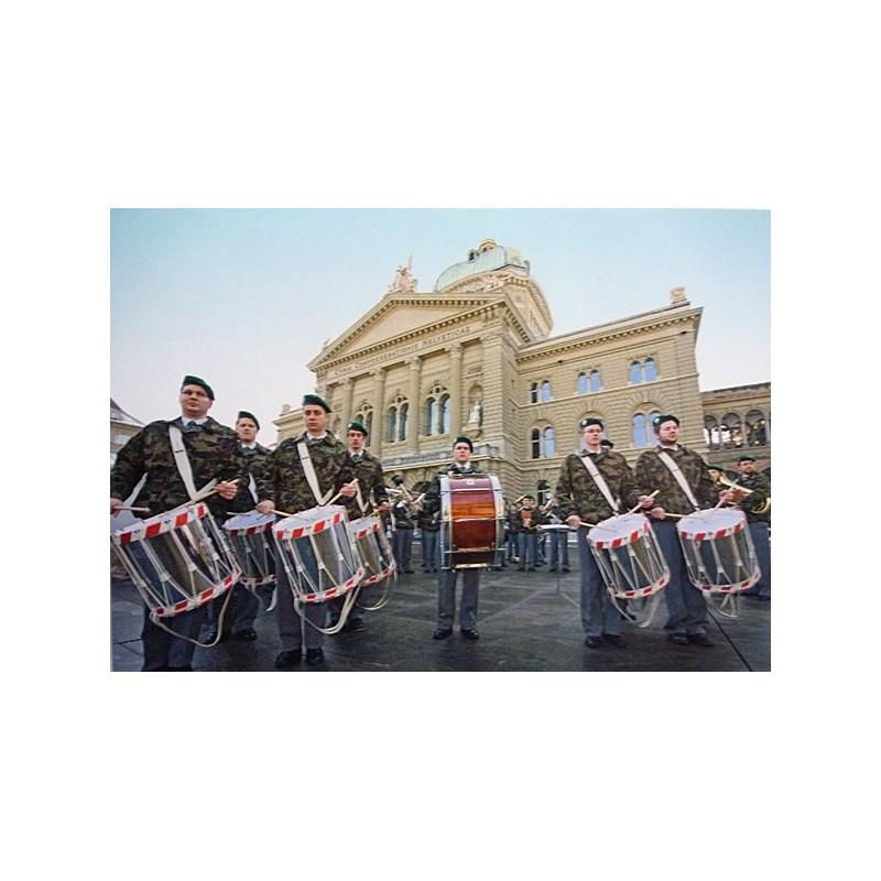 Postkarte: Tambouren vor dem Bundeshaus