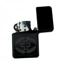 Sturmfeuerzeug mit Armee-Logo - schwarz